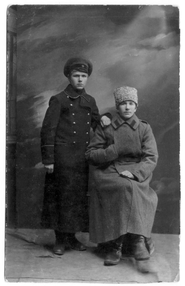 Гаўрыла і Парфір Гарэцкія. Горкі, лістапад 1917 г.