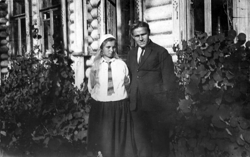 Гаўрыла Гарэцкі з жонкай Ларысай Парфяновіч-Гарэцкай. Масква, жнівень 1926 г.