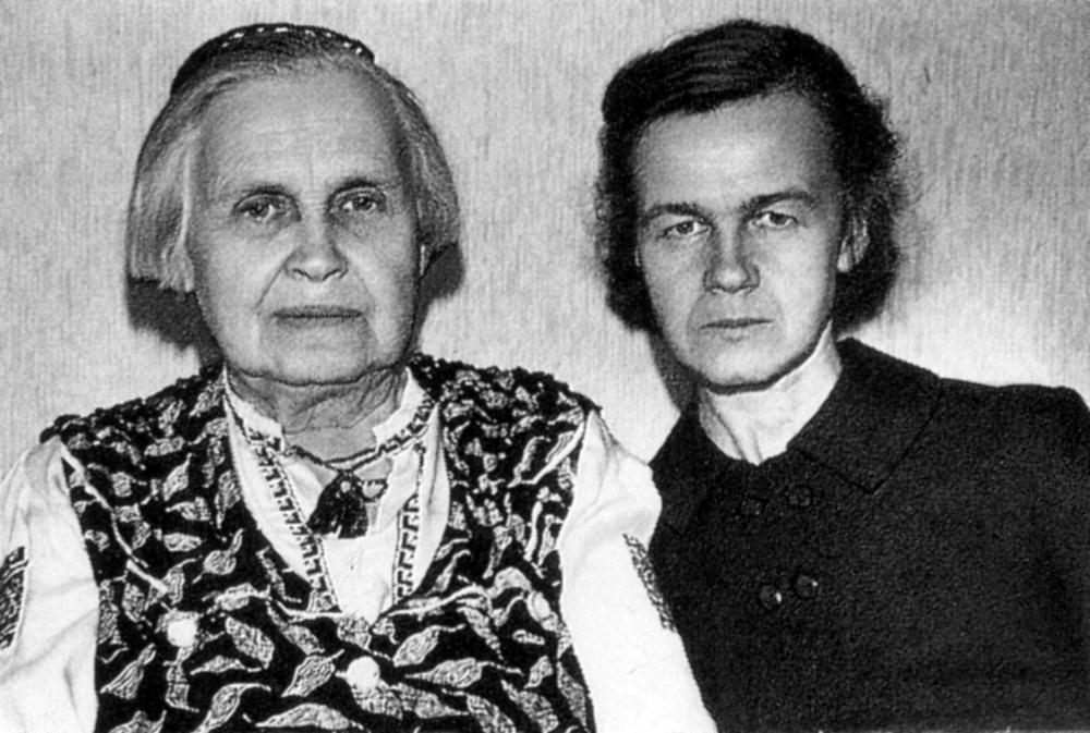 Леаніла Гарэцкая з дачкой Галінай. 1968 г.
